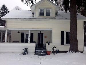 3 Bedroom House Sleeps 10 Just 10 Minutes from Ellicottville!