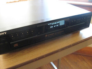 Sony  5 CD Stereo Component for Home ,Garage , Man cave $50.00 Cambridge Kitchener Area image 3