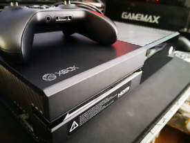 Xbox One, 1 controller and 8 games