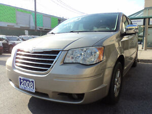 2008 Chrysler Town & Country Touring/Carproof clean certified