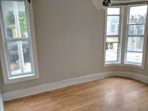 AVAILABLE NOW -  3 BEDROOM on KING E near DOWNTOWN!!