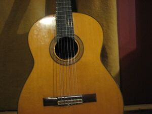 1982 Alverez  Classical guitar neck joint appears to be repaired
