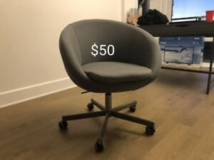 swivel chair   2 week old less than half priceeee new new new