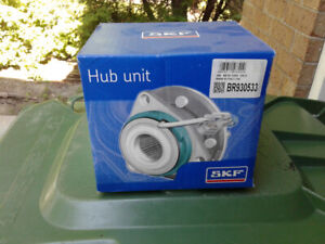 Saturn Astra Front Hub Assembly