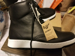 """NEW Dr. Martens """"Rigal"""" - Size 7 UK"""