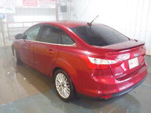 Loaded! 2013 Ford Focus Titanium!
