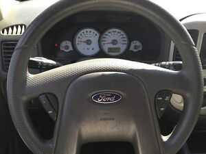 2005 FORD ESCAPE XLT * AWD * PREMIUM CLOTH SEATING London Ontario image 16