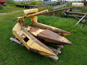 Newholland 822 corn head for sale!
