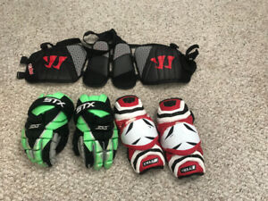 LAX gear (gloves, kidney protector and elbow pads)