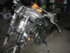 parting out 2004 Suzuki Intruder VS800 being sold in parts only
