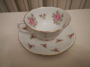 Tea cup and saucer COLLINGWOODS Made in England 1940's