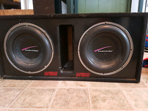 *PRICE LOWERED* 2, 1000 watt Audiobahn subwoofers and amp
