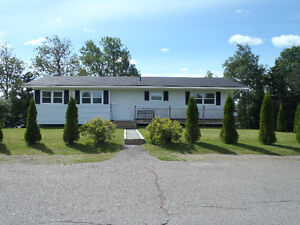 Large 3 bedroom bungalow for sale in Bloomfield