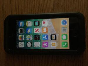 iPhone SE 64GB Unlocked (Black)