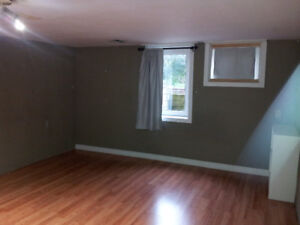 Rooms in Waterloo for rent , $430 or $450 /Month including all.