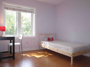 Rooms with free WIFI, International students welcome