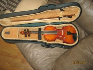 childs fiddle new never used