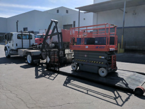 Single Axle Straight Truck w/ Flatdeck