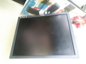 EXCELLENT WORKING CONDITION HP, DELL MonitorS for sale.