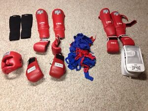 REDUCED. Mens and women's kickboxing equipment