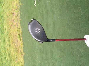 Taylormade r9 supertri golf driver *must go asap!!