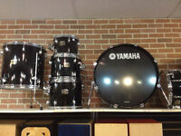 Shell kit Yamaha tour custom 10-12-16-22-snare et tom holder