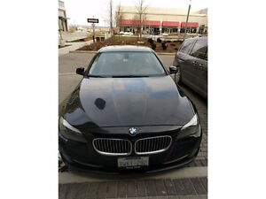 2011 BMW 528i - Exec. Driven with Full Warranty
