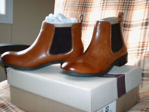 NEW-Clarks Pita Sedona Pull On Ankle Boots Size 6