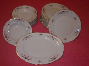 Walbrzych -floral embossed scalloped gold trim fine china dinner