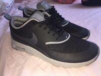 Nike Air Max Thea Size 6 (Barely worn)