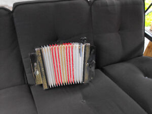 hohner melodian accordian