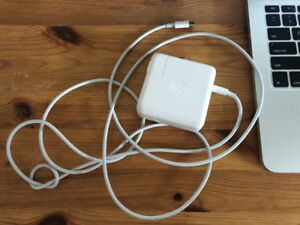 MacBook and MacBook PRO charger
