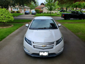 2015 Chevrolet Volt w/winter tires & rims