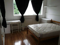 Lovely Double Room - Available Now In Crossharbour - Great Location!!!