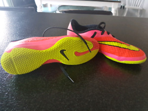 Youth size 2 Nike indoor cleats