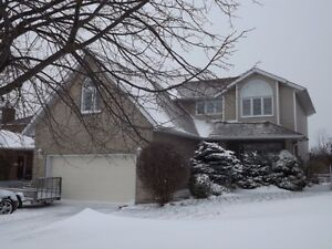 Great family home 3+2 bedrooms. 3.5 baths, 688 Parkside Cres Kingston Kingston Area image 1