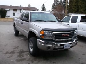 2005 GMC 2500 4WD   ONLY 175 KMS