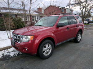 2011 Ford escape XLT NEW MVI !! WINTER TIRES!