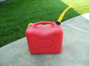 Bidon à essence 6 gallons (22.7 litres)