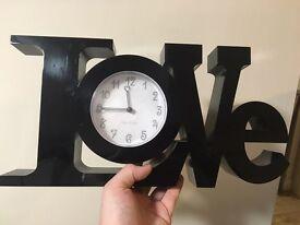 £15 Black Love Clock