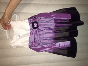 Size 3 Dress in excellent condition, not sure if worn even once