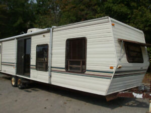 36Ft SIERRIA  Park Model with SLIDE OUT    ONLY $3800
