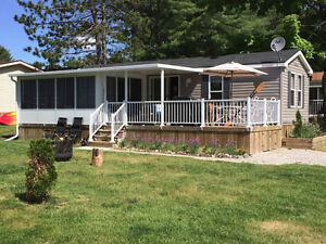 Cottage by the Severn River / Muskoka area