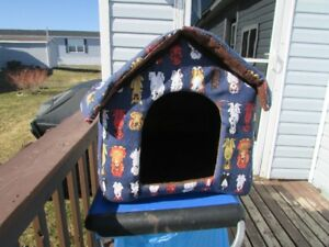 cat or small dog  house for sale.