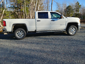 2017 GMC Sierra 2500 Diesel 4x4  New Glasgow Area   Pickup Truck