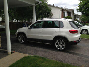 Volks Tiguan Highline 2012 + Sport package (rline)