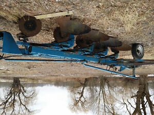 Ford 4 furrow plow