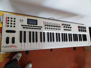 M-Audio Axiom Pro 61 - controller keyboard