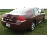 2010 Chevrolet impala ( $10,000$ CAR GOING FOR 5000$ TODAY !! )