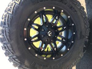 Mutely Mud Hog tires 305/70 R 18